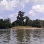 View upstream towards the waterworks.  The reformed island is in the middle. Waterworks (hooch wave) is to the right, other ledges are to the left of the island (when looking upstream from here)